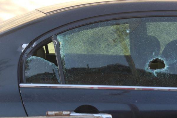Otomobilinde silahlı saldırıya uğrayan şahıs, kendi imkanı ile hastaneye gitti -2