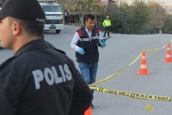 Otomobilinde silahlı saldırıya uğrayan şahıs, kendi imkanı ile hastaneye gitti -9