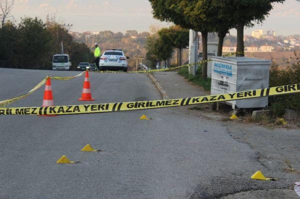 Otomobilinde silahlı saldırıya uğrayan şahıs, kendi imkanı ile hastaneye gitti -8