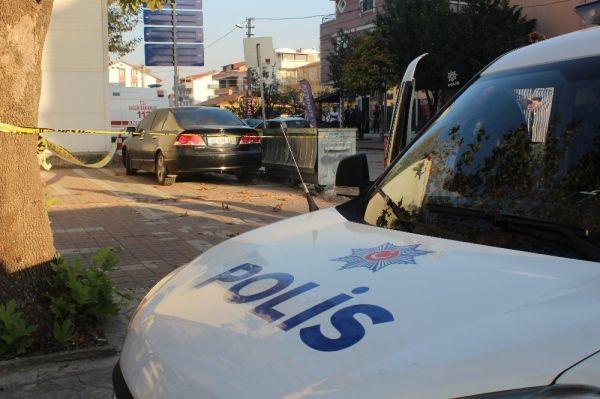 Otomobilinde silahlı saldırıya uğrayan şahıs, kendi imkanı ile hastaneye gitti -4