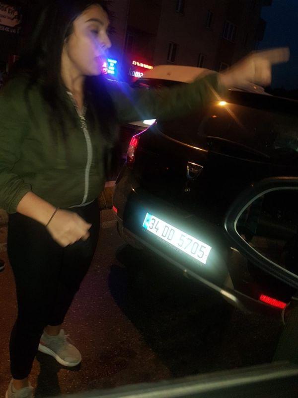 Kadınların trafikte yol verme kavgası karakolda bitti -2