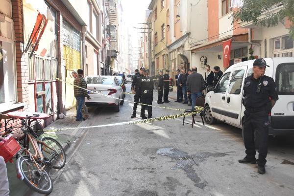 1 kişiyi vurdu, silahından çıkan kurşun polisin cebindeki telefonu sıyırdı -6