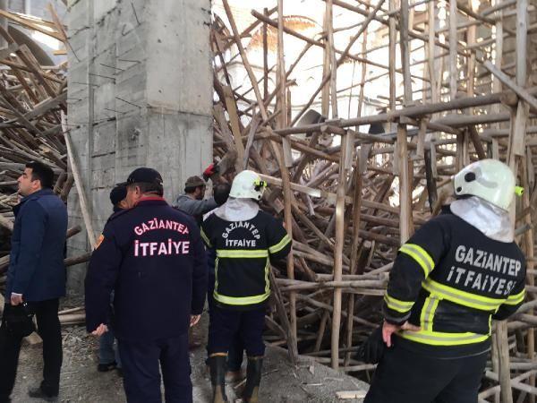 Cami inşaatında çökme: 1 işçi enkaz altında kaldı (1) -2