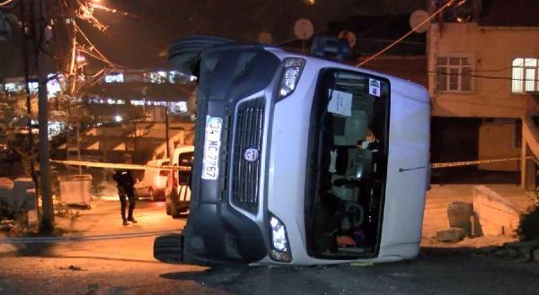 (Geniş Haber)Eyüpsultan'da okul servisi kaza yaptı: 7 çocuk yaralandı -1