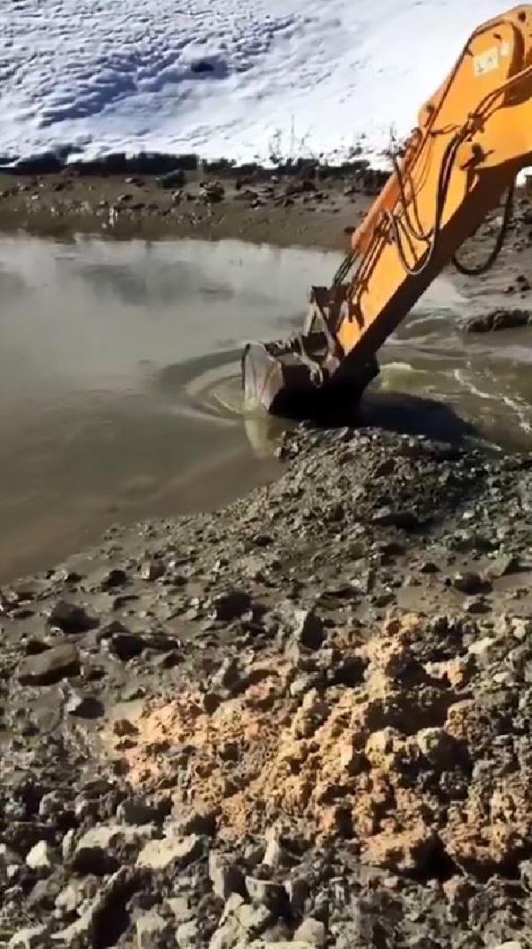 Dipsiz Göl'de 15'inci Apollinaris lejyonunun altın küpü aranmış -9