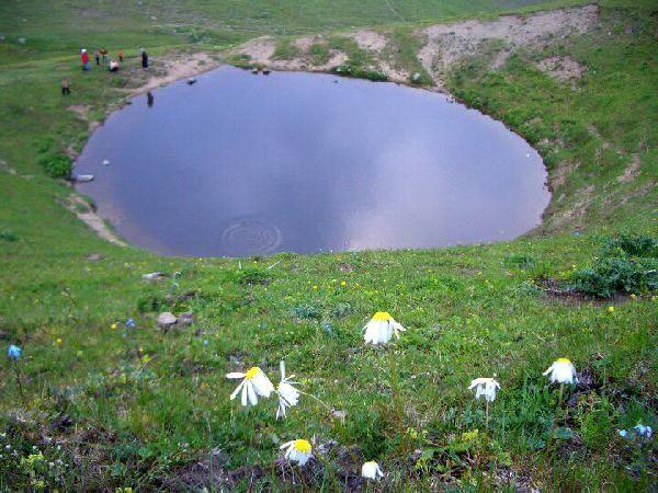 Dipsiz Göl'ün eski haline dönmesi için kar bekleniyor -1
