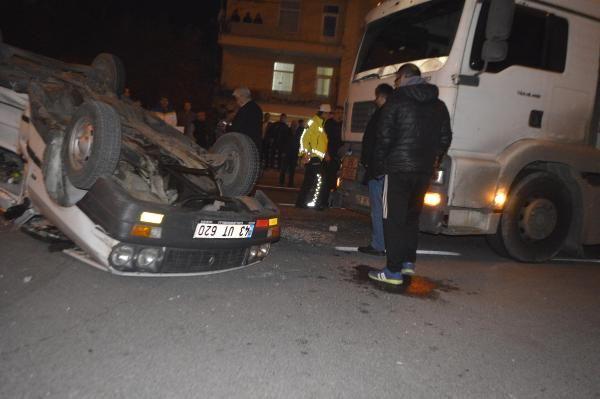 TIR'la çarpışan otomobildeki 6 kişi yaralandı -1