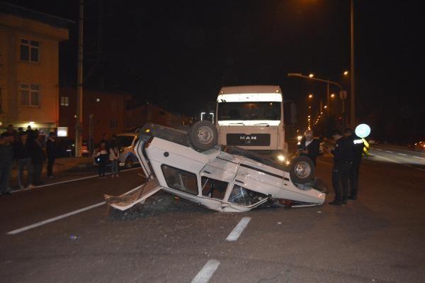 TIR'la çarpışan otomobildeki 6 kişi yaralandı -2