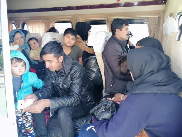 Çanakkale'de 98 kaçak göçmen yakalandı -1