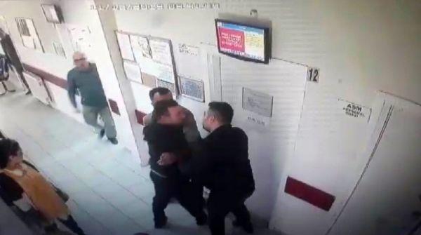 Annesinin kimliği ile ilaç yazmayan doktoru dövdü -1