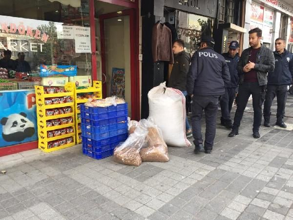 Bursa'da 70 kilo kaçak tütün ve 300 paket kaçak sigara ele geçirildi -3