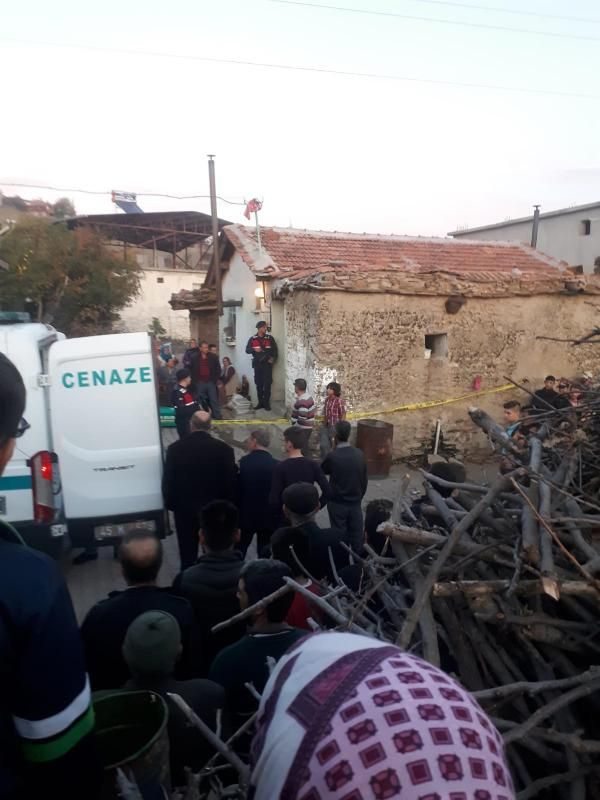 Manisa'da çift ve torunları sobadan sızan gazdan zehirlenerek, öldü -1