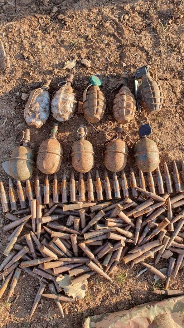 Siirt'te teröristlerin kullandığı barınaklarda tuzaklanmış bomba ve mühimmat ele geçirildi -2