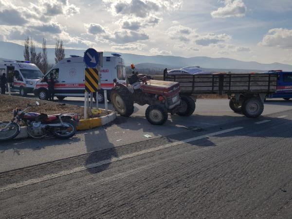 Traktör motosiklete çarptı: 1 ölü, 1 yaralı -2