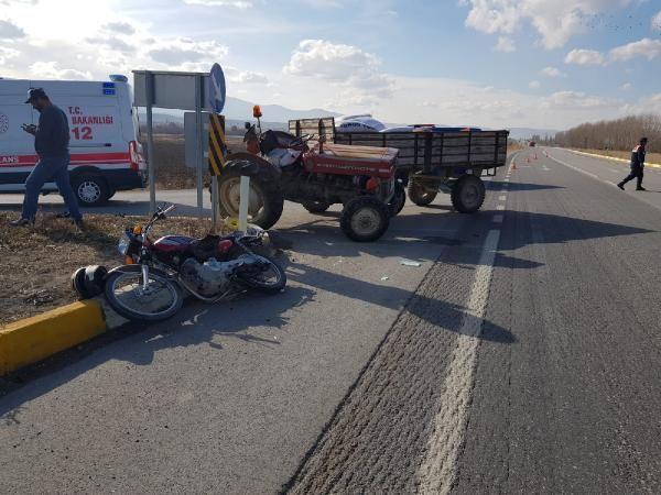 Traktör motosiklete çarptı: 1 ölü, 1 yaralı -1