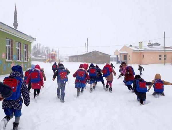 Erzincan Refahiye ?de taşımalı eğitime kar tatili -1