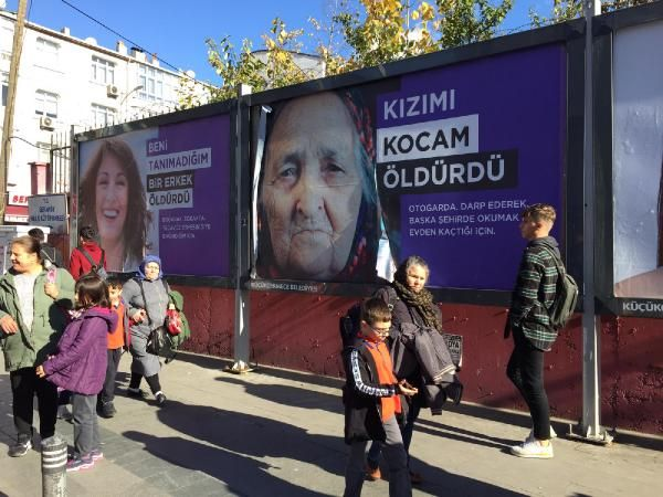 Küçükçekmece sokaklarına asılan afişlere tepki -1
