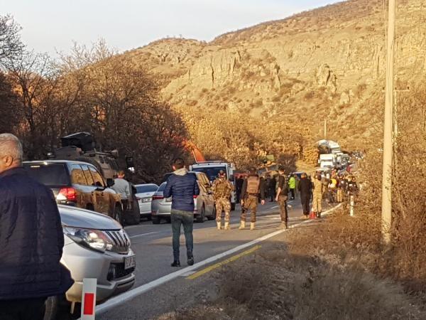 Tunceli'de operasyondan dönen askerleri taşıyan zırhlı araç devrildi -3
