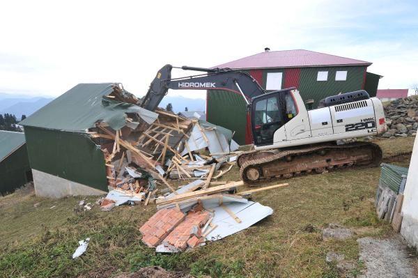 Trabzon'da 160 kaçak yapı yıkıldı -2