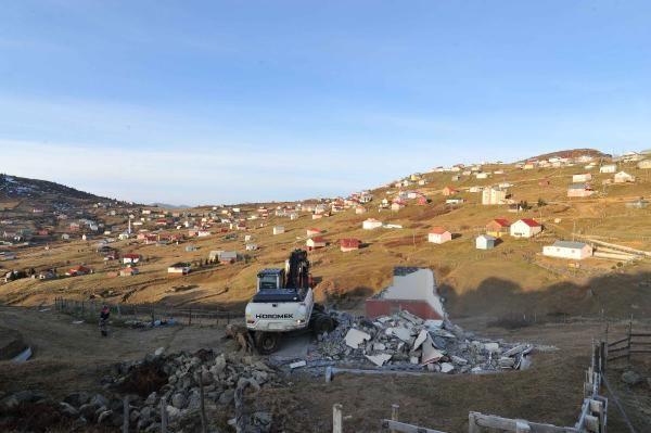 Trabzon'da 160 kaçak yapı yıkıldı -6
