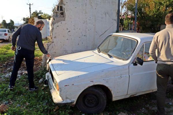 Çaldığı eski model araçla trafiği birbirine kattı, saklandığı evden ağlayarak çıktı -9