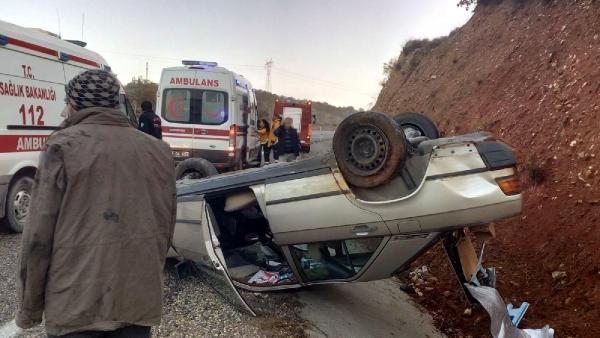 Salihli'de otomobil takla attı: 2 yaralı -3