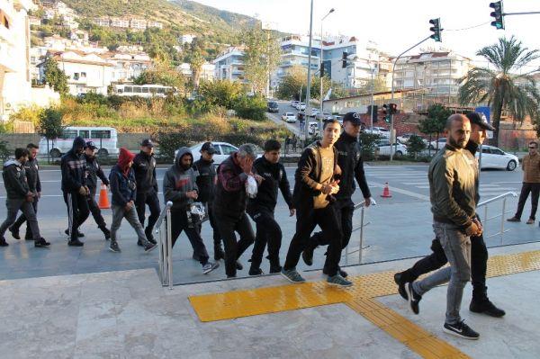 Alanya'da uyuşturucu operasyonuna 16 tutuklama -3