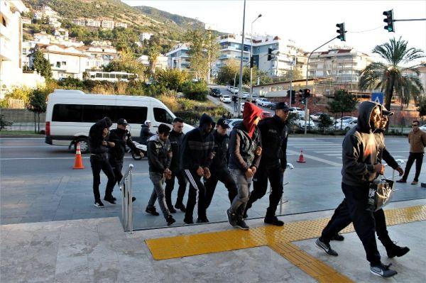 Alanya'da uyuşturucu operasyonuna 16 tutuklama -6