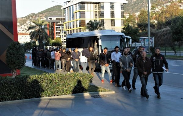 Alanya'da uyuşturucu operasyonuna 16 tutuklama -2