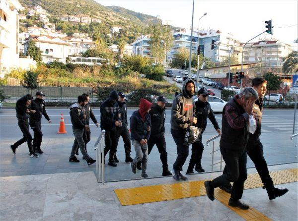 Alanya'da uyuşturucu operasyonuna 16 tutuklama -5