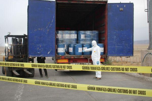Gürbulak sınır kapısında 18,4 ton siyanür yakalandı -4