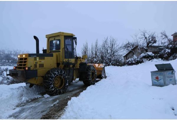 Karda mahsur kalan 40 orman işçisi kurtarıldı -5