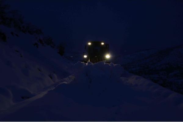 Karda mahsur kalan 40 orman işçisi kurtarıldı -4