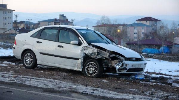 Ardahan'da trafik kazası: 4 yaralı -6