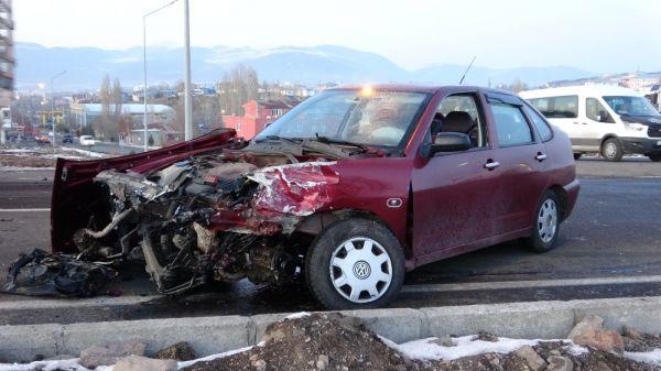 Ardahan'da trafik kazası: 4 yaralı -1