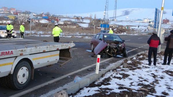 Ardahan'da trafik kazası: 4 yaralı -5