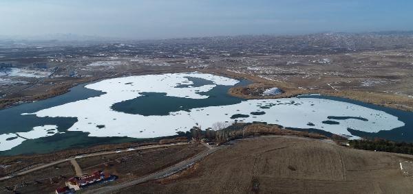 4 ay buzla kaplanan Hafik Gölü ilgi çekiyor -5