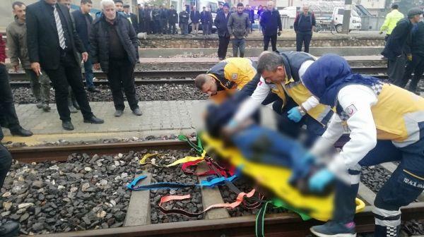 Tren raylarında feci kaza: 1 ölü -2