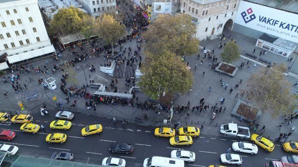 (Hava fotoğrafları)  - Eminönü'nde umut kuyruğu -1