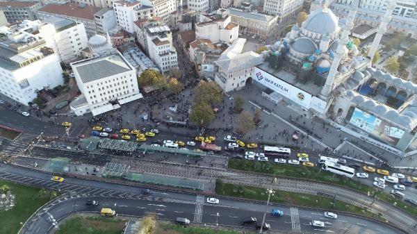 (Hava fotoğrafları)  - Eminönü'nde umut kuyruğu -6