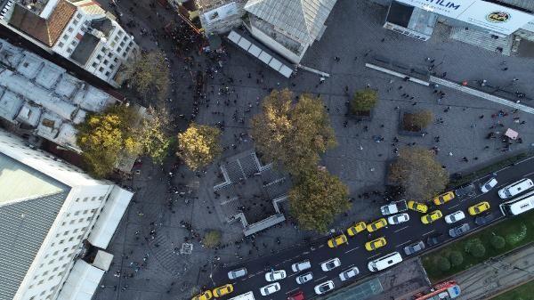 (Hava fotoğrafları)  - Eminönü'nde umut kuyruğu -3