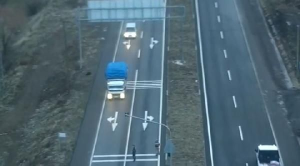 Drone ile takip edilen kamyonda 330 kilo esrar ele geçirildi -2