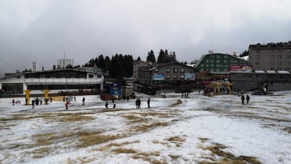 Uludağ'da kar eriyince hayaller suya düştü