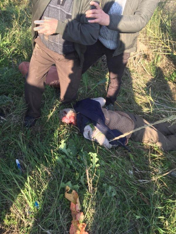 Kamyonetin çarptığı traktör şarampole yuvarlandı: 1'i ağır 3 yaralı -6