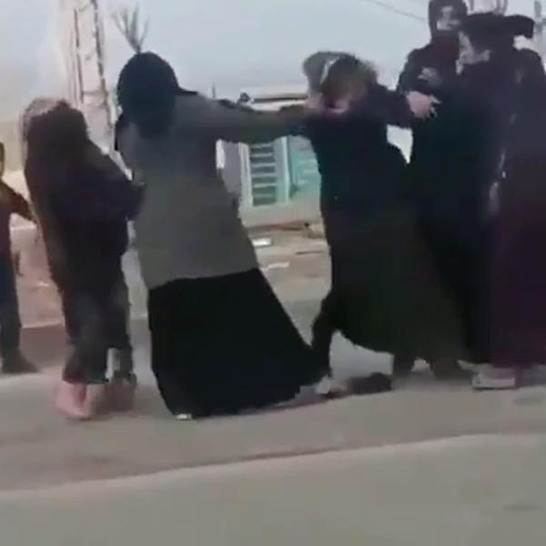 Dilenci kadınların yer kavgası -3
