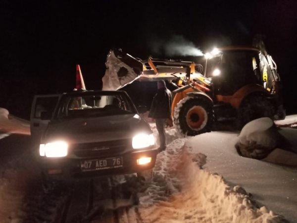 Antalya'da karda mahsur kalan vatandaşlar kurtarıldı -1