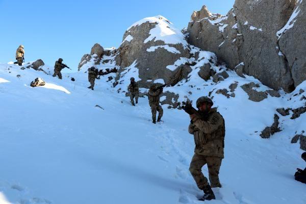 Tendürek Dağı'nda eksi 35 derecede vatan savunması -7