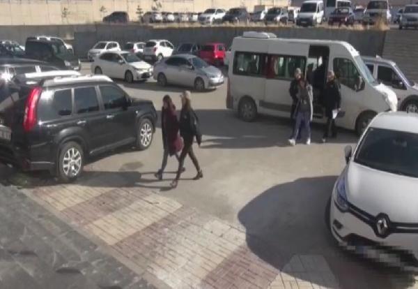 MİT ve polis, sınır ötesi operasyonla yakaladıkları 2 teröristi Türkiye'ye getirdi -2