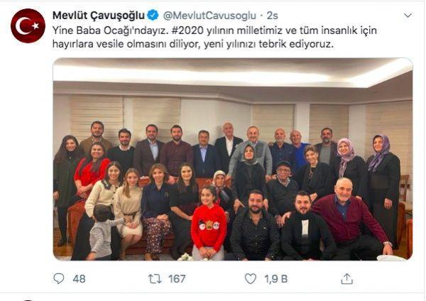 Mevlüt Çavuşoğlu'ndan aile fotoğraflı yeni yıl