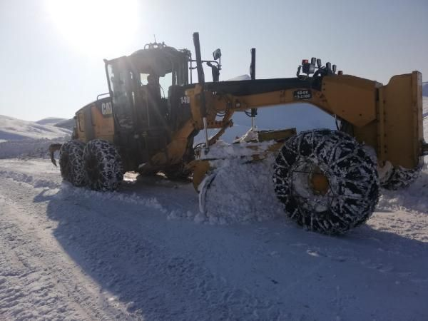 Siirt'te kardan kapanan 32 köy yolu ulaşıma açıldı -2